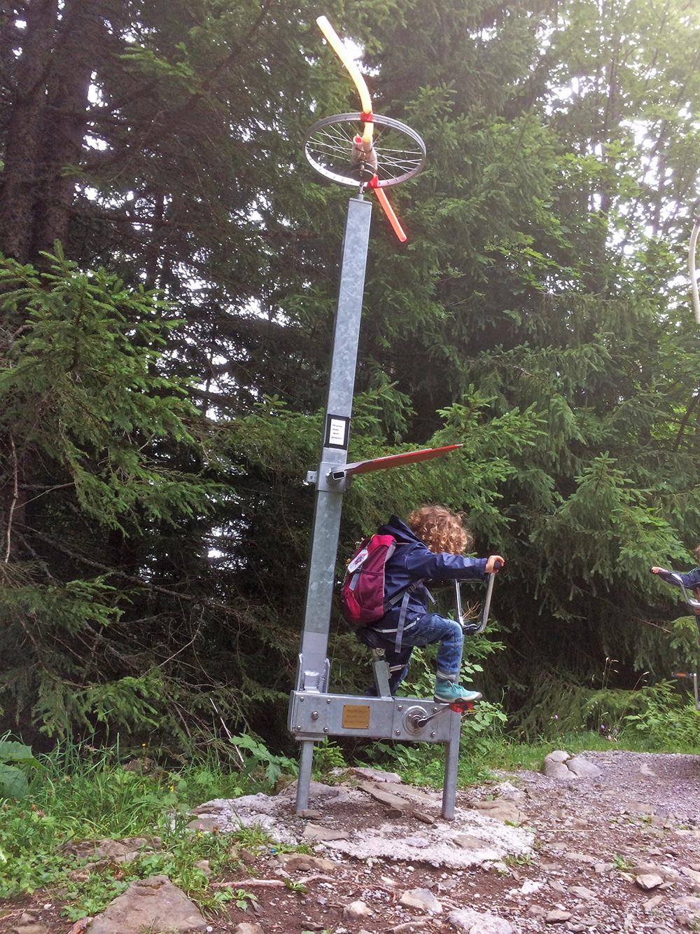 Wanderung mit Kindern auf dem Klangweg Toggenburg