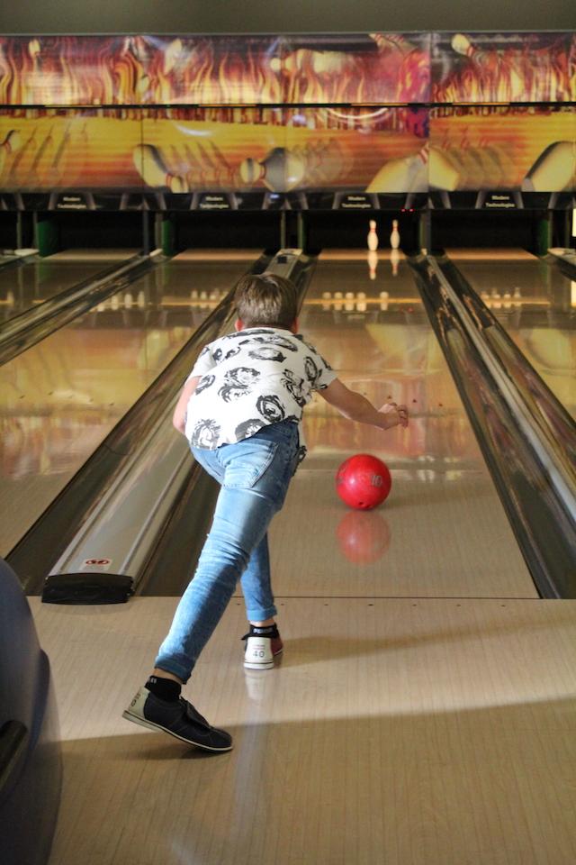 Im Freizeitpark Niederbüren steht auch eine Bowlinganlage zur Verfügung.