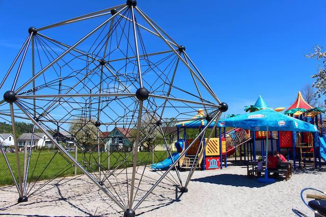 Die Outdoor Abentüürwelt im Freizeitpark Niederbüren ist ein riesiger Spielplatz für Klein und Gross.