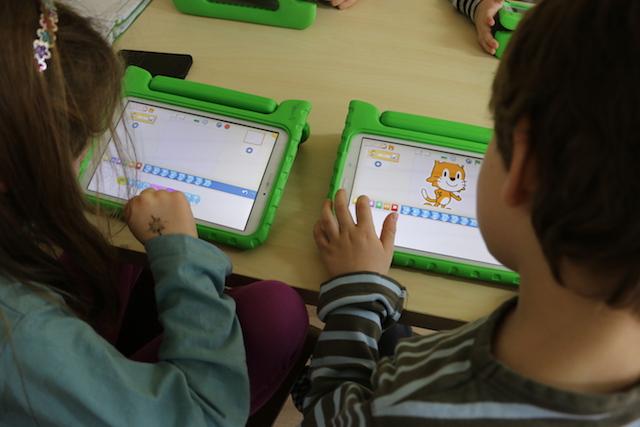 In den Kursen von Codillion, werden die Kinder spielerisch in die Welt der Computer eingeführt.
