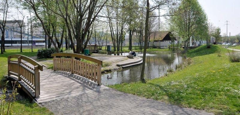 Im Park vom Technorama Winterthur lässt es sich gut Ruhen und Rasten