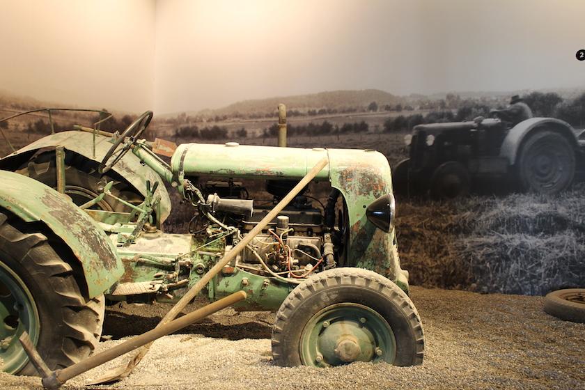 Alte Baumaschinen und Traktoren gibt es im Baggermusem Fisibach zu sehen.