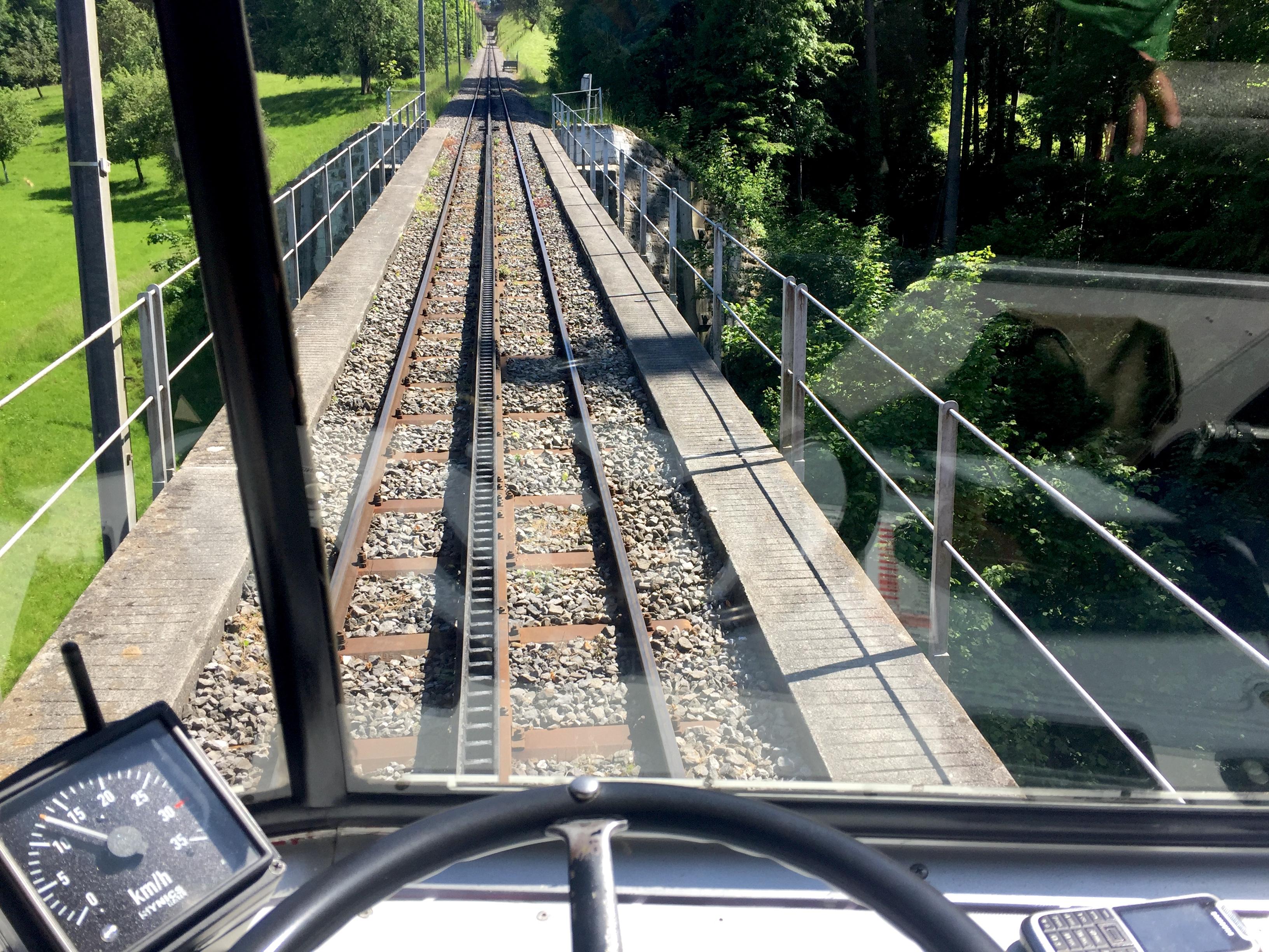 Mit der Zahnraddbahn fährt man bei diesem Ausflug mit Kindern von Walzenhausen nach Rheineck