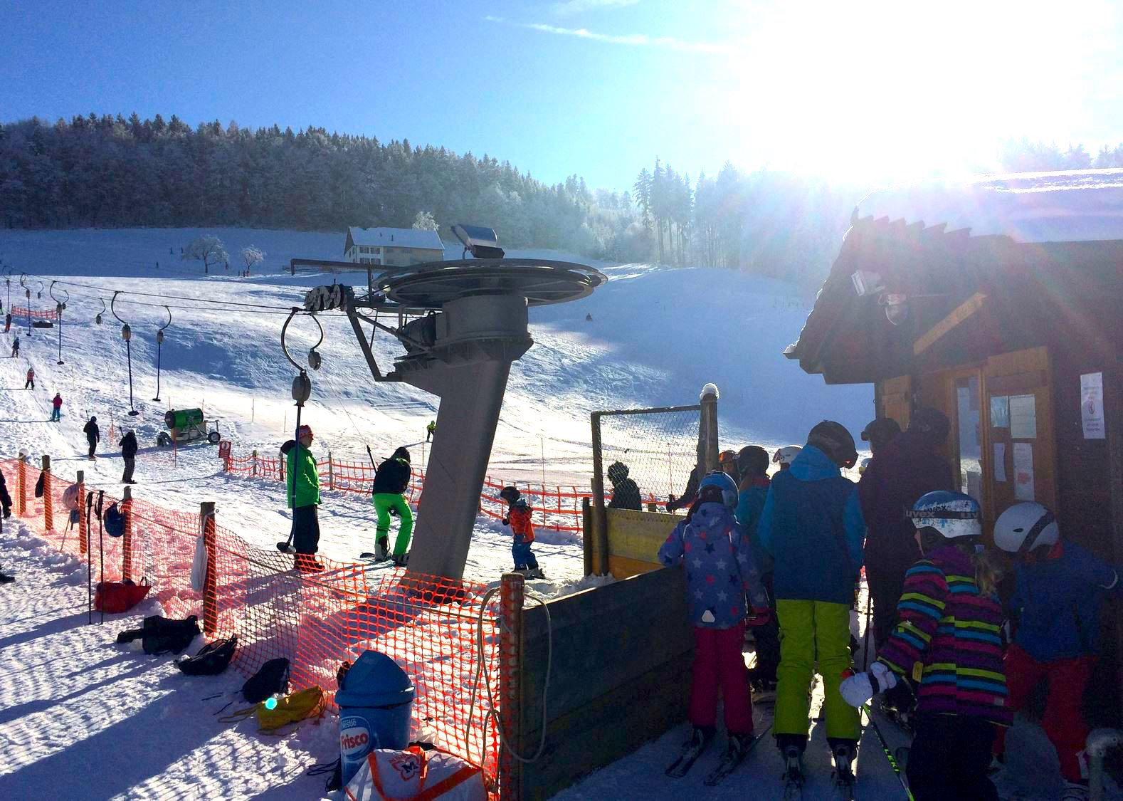Der Skilift Beckenhalde in St.Gallen St.Georgen ist perfekt für Familien.