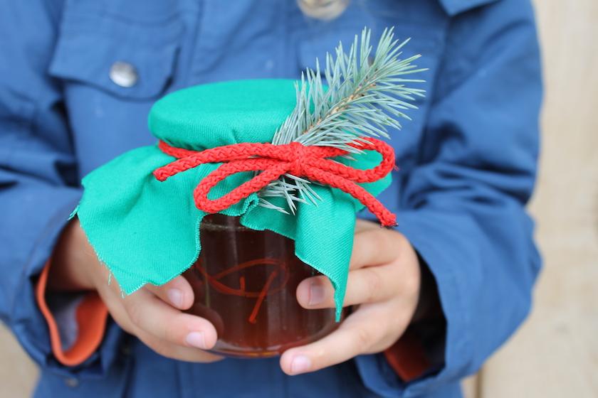 Tanneschösslihonig oder Latwerge - ein perfektes, selbtgemachtes Mitbringsel oder Weihnachtsgeschenk