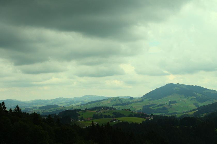 Wettereinbruch auf dem Familienwanderung in Schwellbrunn im Appenzellerland